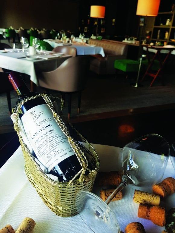 """Vinul ca o operă de artă – descoperiți povestea inegalabilului Vega Sicilia """"Unico"""" 2006"""