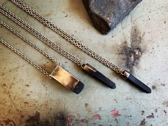 MAKAB: bijuterii duale care sfidează timpul