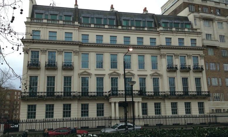 Un uriaș conac din Londra s-ar putea vinde cu 261 de milioane de