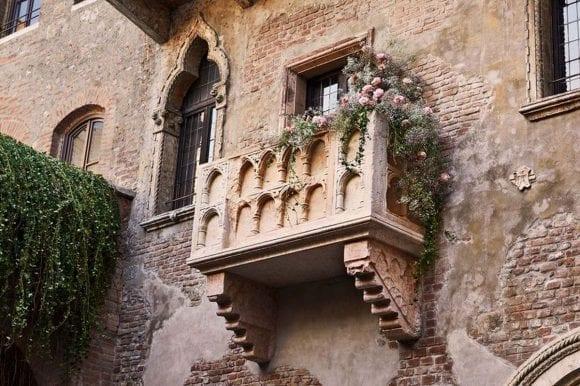 Celebrează Valentine's Day în casa Julietei!