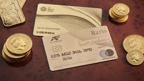 Raris, primul card bancar fabricat din aur masiv