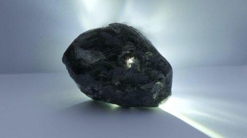 Louis Vuitton va transforma în bijuterii al doilea cel mai mare diamant din lume