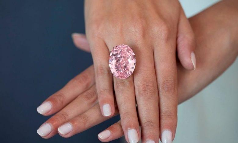 Diamantele roz, performanță strălucitoare: Preț dublu în ultimul deceniu