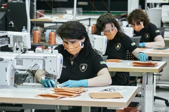 Coronavirus: Lamborghini demarează producția de măști chirurgicale și viziere medicale