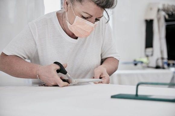 Louis Vuitton și-a redeschis atelierul pentru a confecționa echipamente de protecție pentru medici