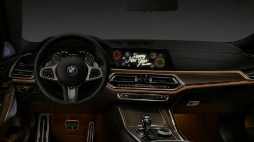 """BMW – Mașina care îți urează """"Sărbători fericite"""", și în România"""