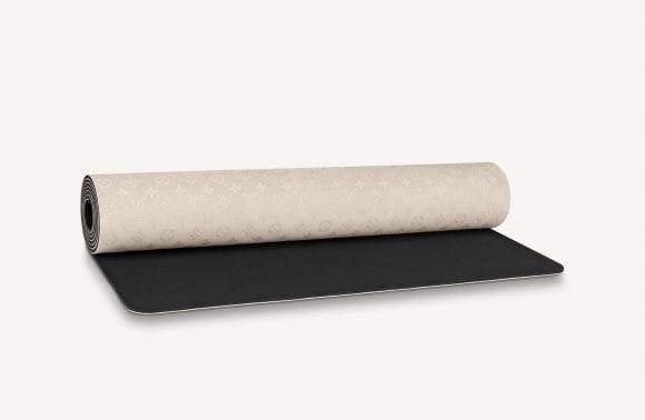 Louis Vuitton a creat o saltea yoga  de 2.500 de dolari
