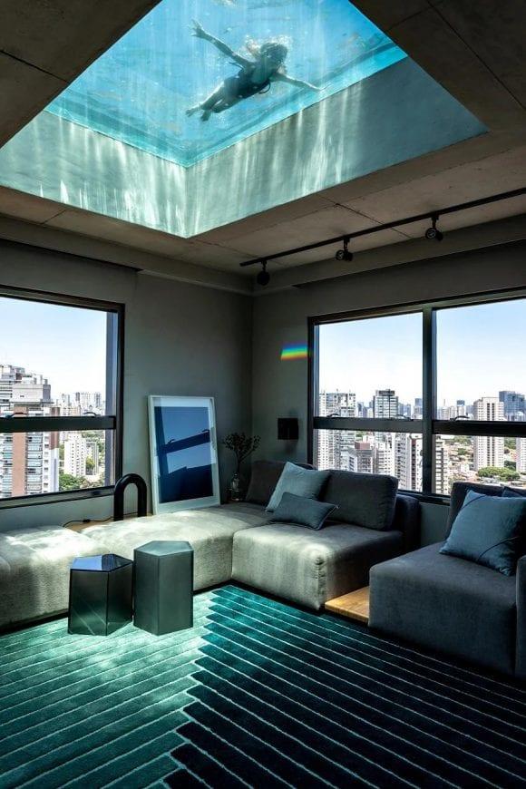 Așa arată un penthouse în Sao Paulo cu piscină pe tavan