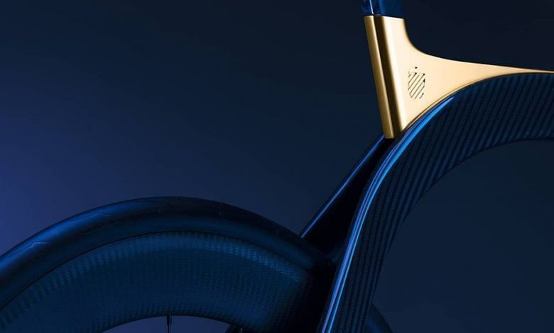 Această bicicletă din fibră de carbon are inserții de aur de 24K. Vezi ce preț are