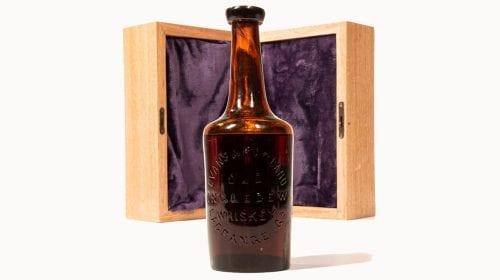 Cea mai veche sticlă de whisky din lume se îndreaptă către licitație. Cât ar putea valora aceasta