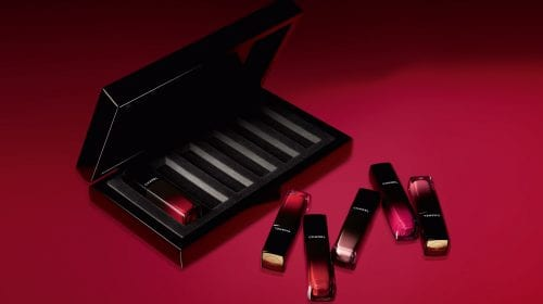 Rouge Allure Laque by Chanel, nuanțe vibrante care durează mai mult pe buze